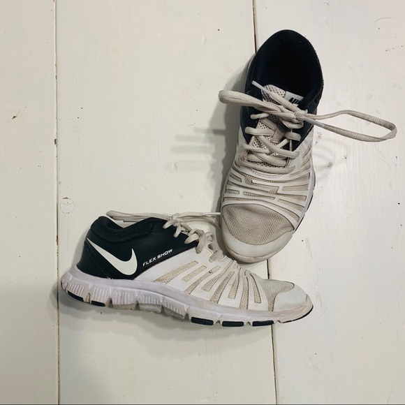 Nike Other - Nike Flex Show Tennis Shoes